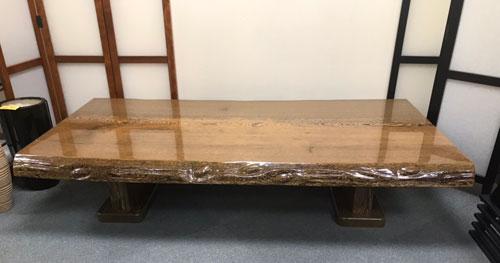 鉄刀木の一枚板で出来た座敷机を買取りました【モノマニア朝日店】